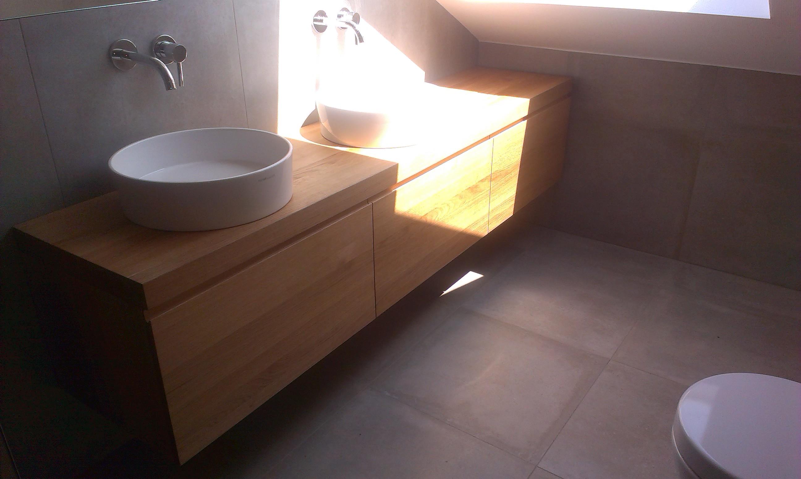 Badezimmerschrank3